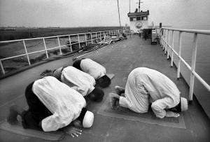 9_muslim-prayer-low-res
