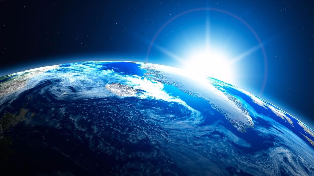 Apakah Adam 'alaihis salam Manusia Pertama?